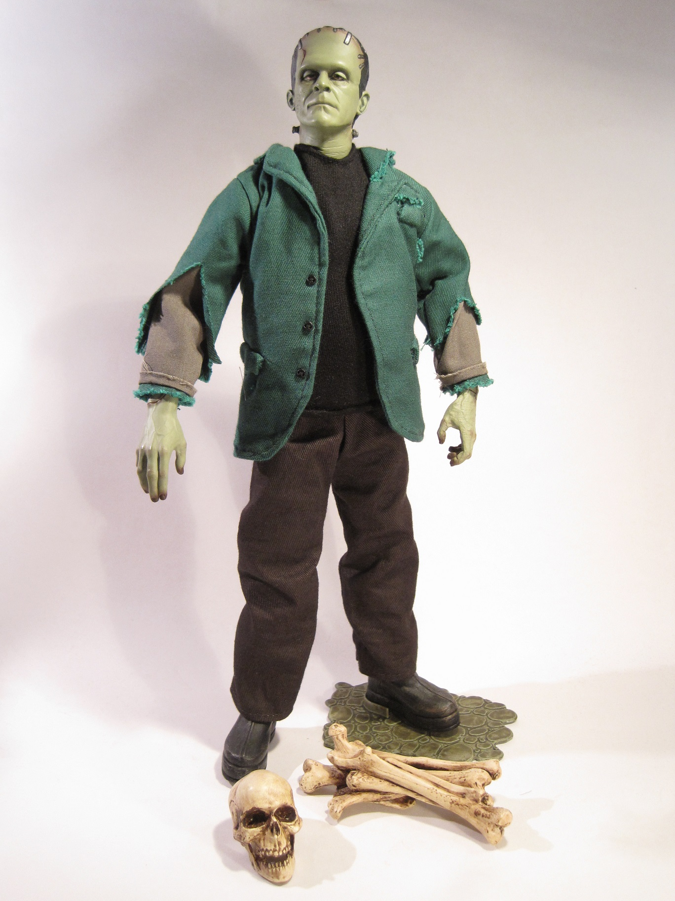 Sideshow Toys | The Figure In Question