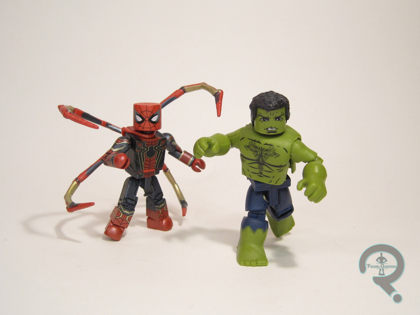 Marvel Minimates Toys R Us Avengers Infinity War Iron Spider-man And Hulk